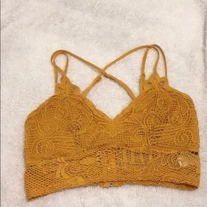 NWOT Charlotte Russe lace criss cross crop top